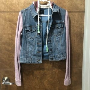 Urban Outfitters Denim Jacket 🧵🦋👖